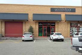 633 SQM INDUSTRIAL WAREHOUSE OR RETAIL OUTLET IN STRYDOMPARK TO LET
