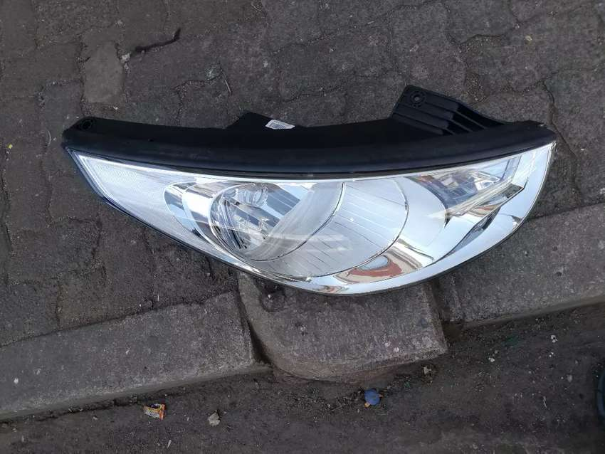 HYUNDAI IX35 HEAD LIGHT NORMAL RIGHT SIDE AVAILABLE FOR SALE