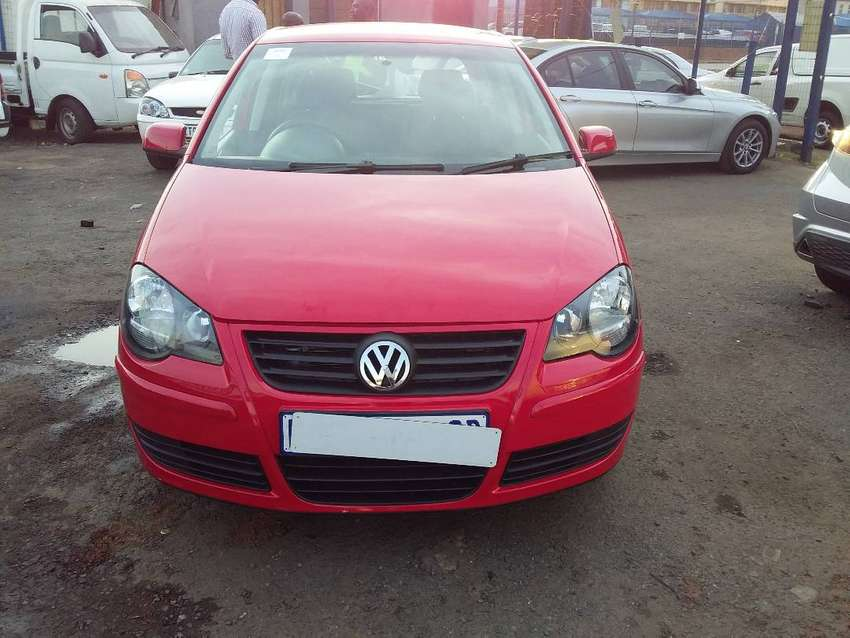 Polo 1.9 diesel model 2004 colour red 0