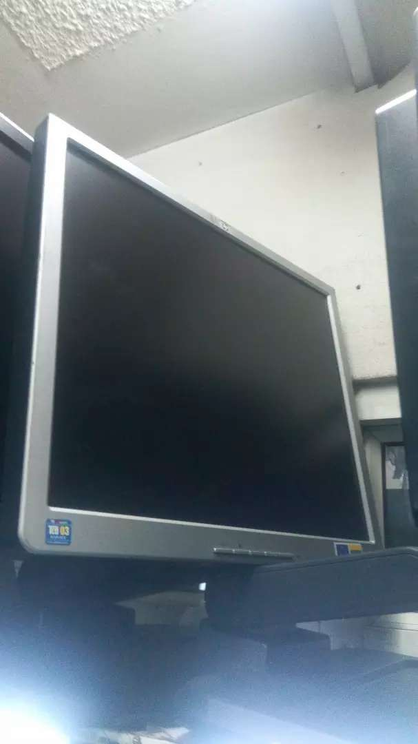 Tft go HP 17 inches from UK at 2500 0