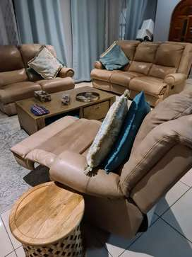 Coricraft Leather Recliner Couches