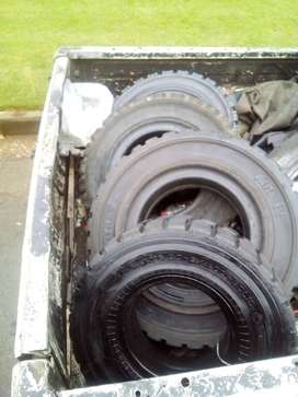 Forklift tyres like new