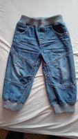 spodnie dzinsowe RESERVED i bluza dla chłopca 80