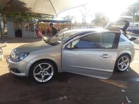 Opel astra GTC limited edition