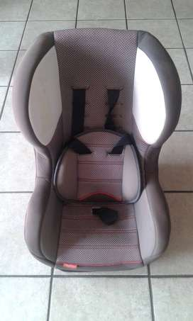 Fisher Price Brown Baby car Seat