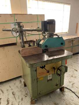 WADKIN SPINDLE 3 WHEEL FEEDER