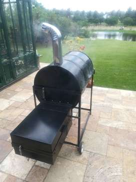 Smoker braai with side burner R3500