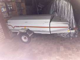 Venter Super 6 trailer