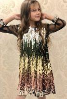 Платье в паетках Gucci