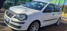 VOLKSWAGEN POLO BUJWA 1.6 IN EXCELLENT CONDITION