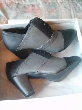 Women's leather boots shoes