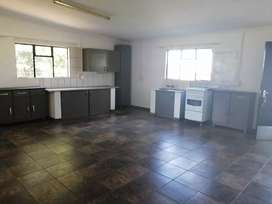 2 bedroom flat on plot 14km from witbank and middelburg on R 555