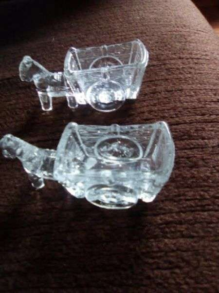 pair of glass horses 0