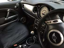 Mini Cooper 2006 model**PRICE NEG**