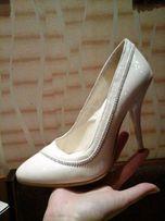 Белые туфли свадебные 35р
