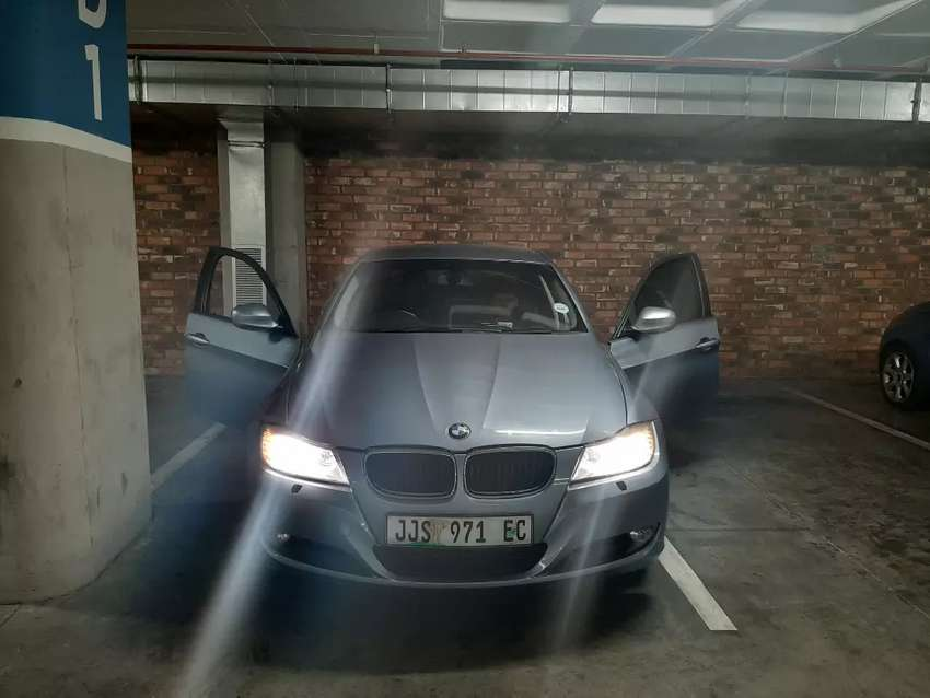 BMW 320 facelift 2010 0