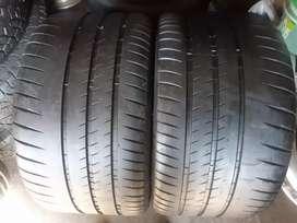 2x305/30/20 Michelin pilot sport cup2 at 85%