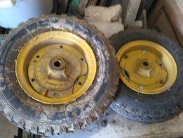 Два колеса в сборе с валом-осью .Чтото с сельхоз техники