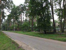 Участок 2,3 га Ворзель, лес, асфальт, забор, коммуникации вдоль...