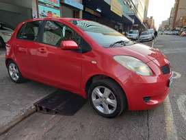 2006 TOYOTA YARIS 1.3 WITH 80000