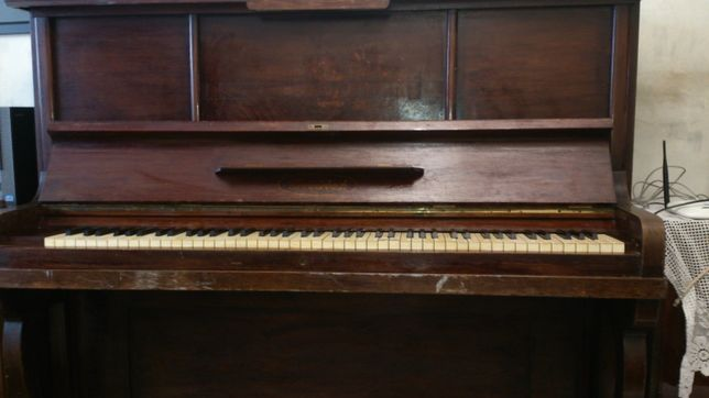 Антикварное пианино Kreutzbach Leipzig