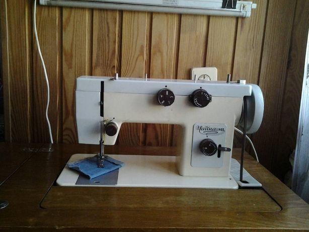 прадается швейная машинка Чайка 143