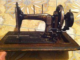 Швейная машинка ( раритет )