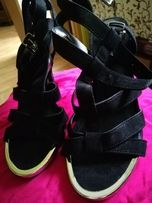 Sandałki r. 36/23 cm