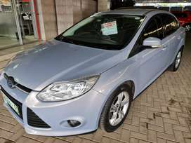 `2012 Ford Focus 2.0GDI Power Shift Trend available-R129900-