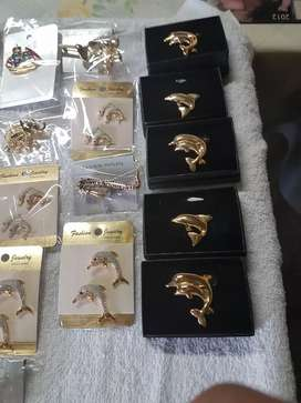 Fashion Brooches assorted