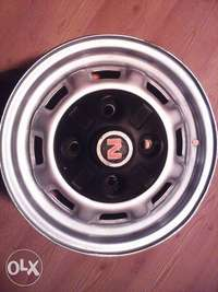 Image of Nissan 1400 rims