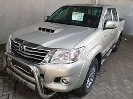 =2014 Toyota Hilux 3.0 D4D Dakar Edition-FSH With agents-Only R319900