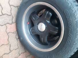 Mags&tyres 6 hole for ford toyota bakkie