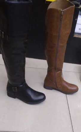 Ladies boots black and brown