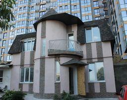 Продам новый 4 к. 2 эт. дом, Шевченковский р-н, ул. Троицкая.