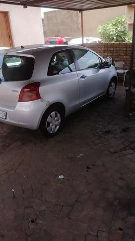 Yaris I good condition,start and go