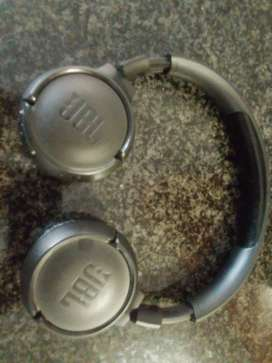 Samsung Monitor & JBL Headphones