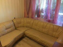Кожаный диван + кресло