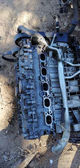 Volvo S40 T5 2.5 liter cylinder head for sale