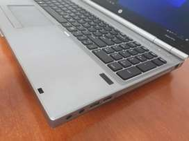 Core i7 Hp EliteBook 8570 Silver 8Gigs ram