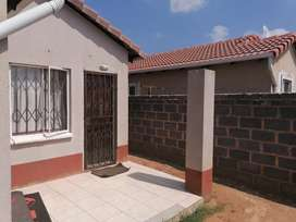HOUSE TO LET IN WINDMILLPARK ESTATE