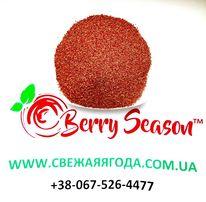 Зерна сушеных ягод клубники малины ежевики
