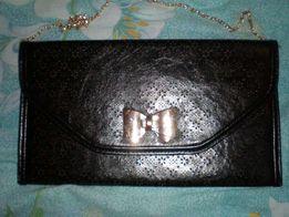 сумка клатч с перфорацией на цепочке