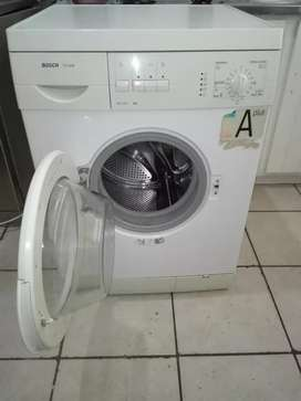 7kg BOSCH WASHING MACHINE