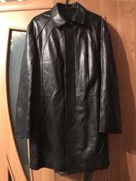 Плащ кожаный Brioni .В идеальном состоянии ,одевался один раз .54 разм