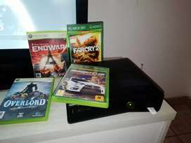 Xbox 360s 4gb  4 games and  kinect