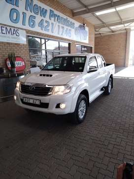 Toyota hilux xcab 3.0 dvd