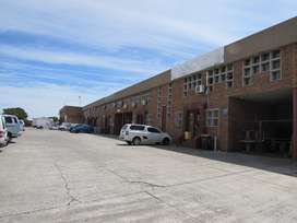 MONTAGUE GARDENS: 434m2 Warehouse To Let