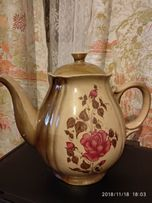 Продам большой керамический чайник.