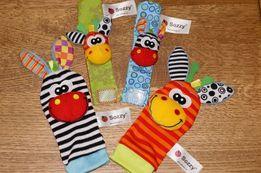 Развивающие игрушки погремушки браслеты и носочки набор